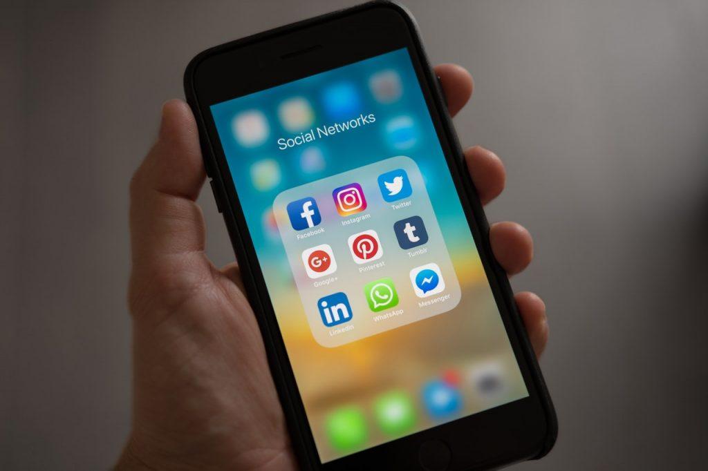 Jak media społecznościowe przynoszą korzyści Twojej firmie