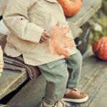 Jak modnie ubrać chłopca jesienią i zimą